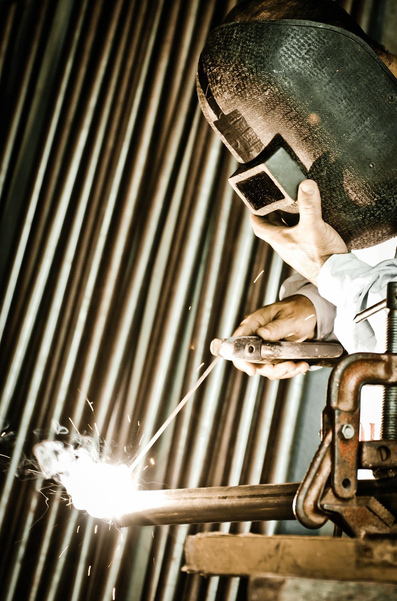 welding standing 1920